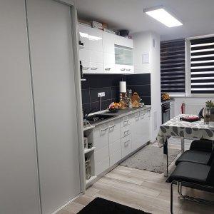 Apartament 2 camere, DRISTOR, 2 minute de metrou, complet mobilat si renovat.
