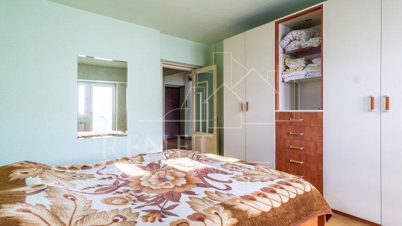 2 camere decomandat, 6/8, Piata Alba Iulia, vedere spate
